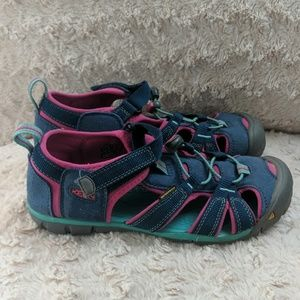 Youth size 4 KEEN Seacamp sandals